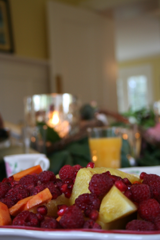 The yummy pineapple, persimmon, and pomegranate salad