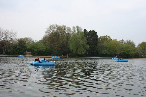 Paddlers on the Serpentine.