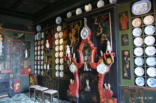 Chinese styled dining room.