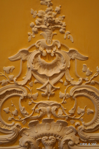 Detail from a wall in the yellow and white room.  Amazing attention to the tiniest little artistic flourish.